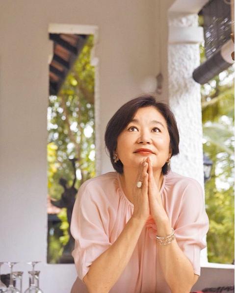 Nhan sắc tuổi U70 của đệ nhất mỹ nhân khiến Châu Tinh Trì ngưỡng mộ, mê mẩn - Ảnh 14.