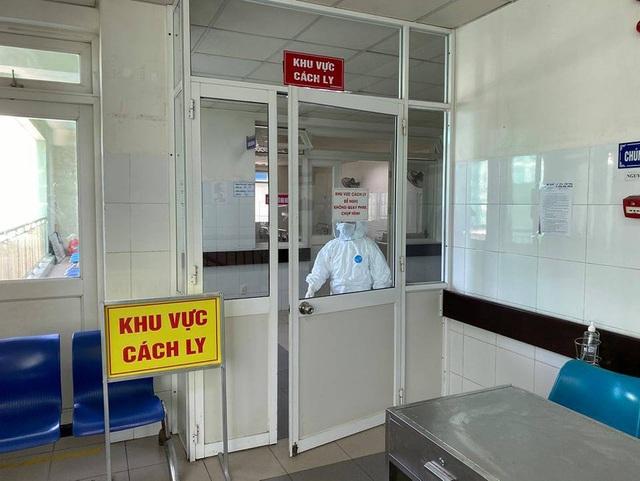 Bệnh nhân nào có diễn tiến nặng phải chạy ECMO và thở máy ở Bệnh viện Đà Nẵng? - Ảnh 1.