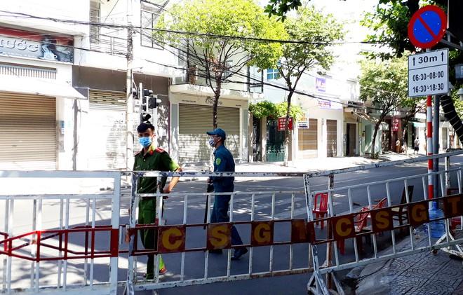 Thêm 5 ca bệnh liên quan đến bệnh viện ở Đà Nẵng; hơn 31.000 khách ở TP HCM hủy tour du lịch trong 2 ngày vì dịch Covid-19 - Ảnh 2.