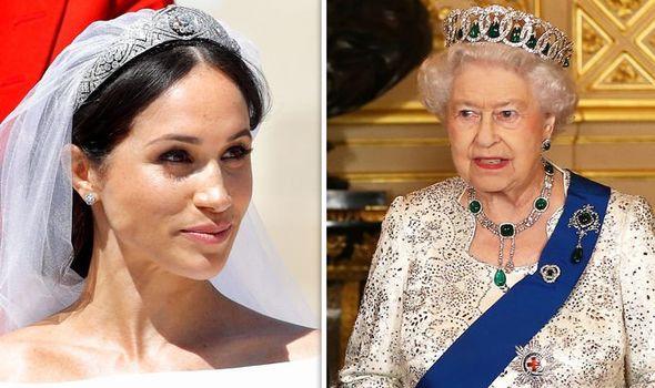 Meghan từng dính nghi án mâu thuẫn với Nữ hoàng Anh về vương miện dùng trong ngày cưới.