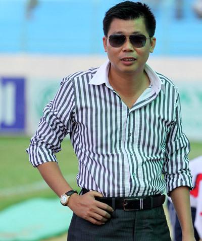 [Hồi ức] V.League choáng ngợp vì màn bạo chi sau cơn giận tím mặt của đại gia Ninh Bình - Ảnh 2.