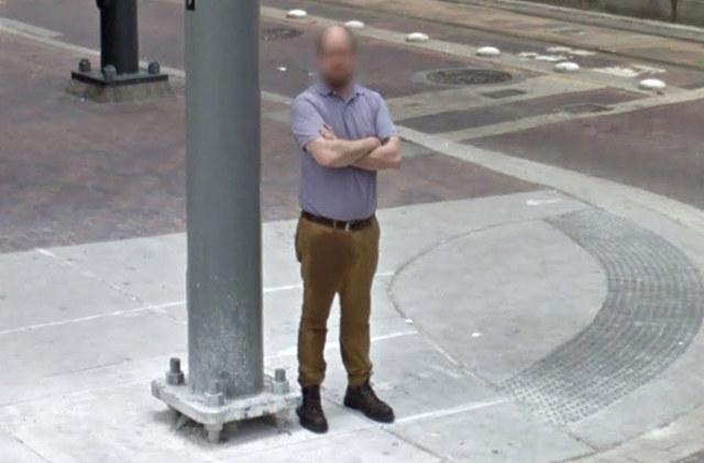 Xem Google Maps, người dùng bắt gặp cảnh tượng mất mặt của người phụ nữ - Ảnh 3.