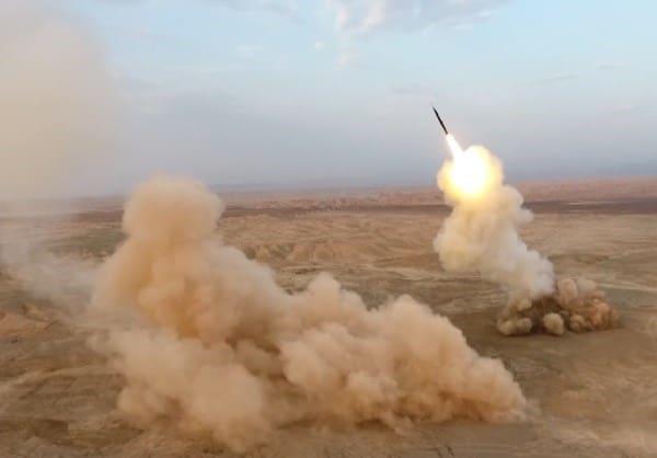 Mỹ khẩn cấp tìm kiếm 8 lính thủy đánh bộ mất tích - Trò chơi chết chóc của Iran ẩn thông điệp đanh thép - Ảnh 3.
