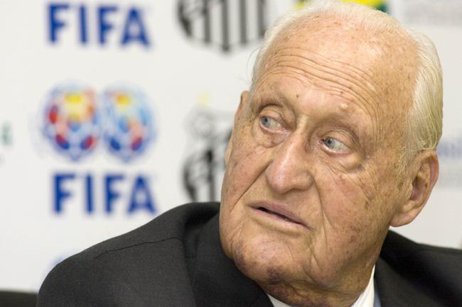 Bóng ma tham nhũng bao phủ FIFA: Chuyện nhiều như... cơm bữa - Ảnh 1.