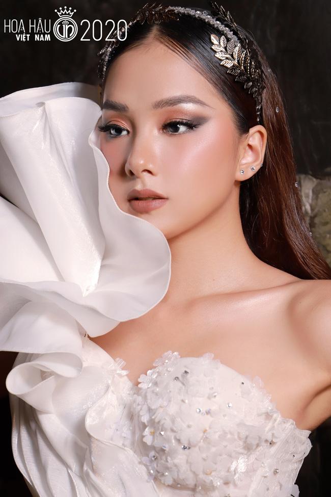 4 gương mặt thân quen tại Hoa hậu Việt Nam 2020: Người lột xác sau 1 năm gây ngỡ ngàng, thí sinh 2k hở bạo đến nóng mắt - Ảnh 3.