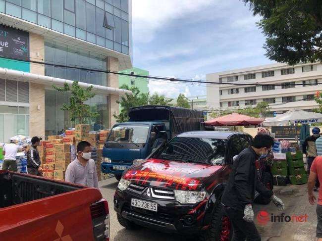 """Những chuyến xe chở """"yêu thương"""" đến tuyến đầu chống dịch ở Đà Nẵng - Ảnh 5."""