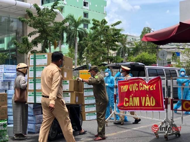 """Những chuyến xe chở """"yêu thương"""" đến tuyến đầu chống dịch ở Đà Nẵng - Ảnh 6."""