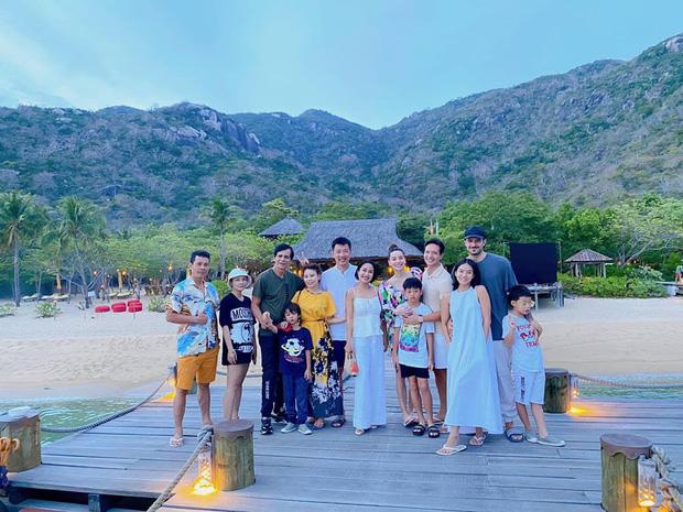Ốc Thanh Vân hội ngộ gia đình Hà Hồ trong kỳ nghỉ sang chảnh, tiện dành lời chúc phúc cho mẹ bầu và Kim Lý - Ảnh 1.