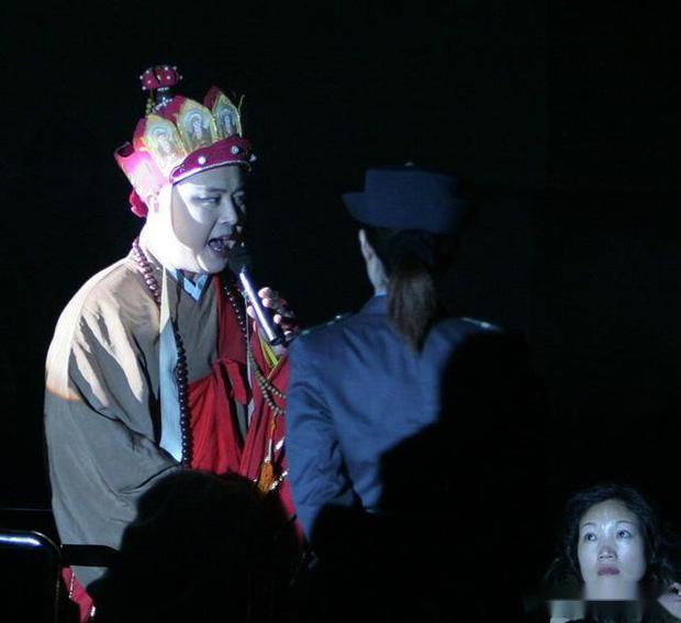 Đường Tăng Từ Thiếu Hoa: Đố kị với Trư Bát Giới vì 18.000 đồng cát xê, hết thời lại gây tranh cãi vì hát dạo Tây Du Ký kiếm tiền - Ảnh 12.