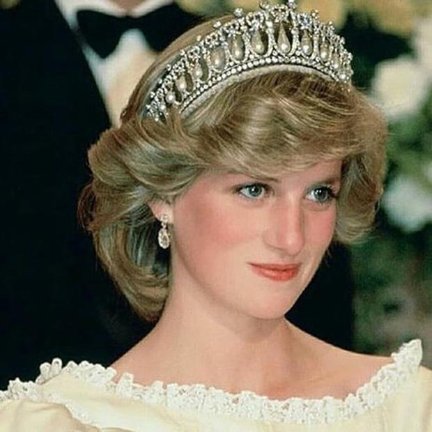 Hé lộ cuộc gọi cuối cùng với con trai của Công nương Diana trước khi ra đi, điều khiến hai vị Hoàng tử nuối tiếc suốt cuộc đời - Ảnh 6.
