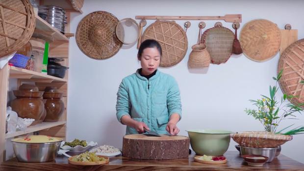 """Ngay tại Trung Quốc đã có loạt vlogger phong cách na ná Lý Tử Thất, có người còn gần như """"copy"""" nguyên si - Ảnh 20."""