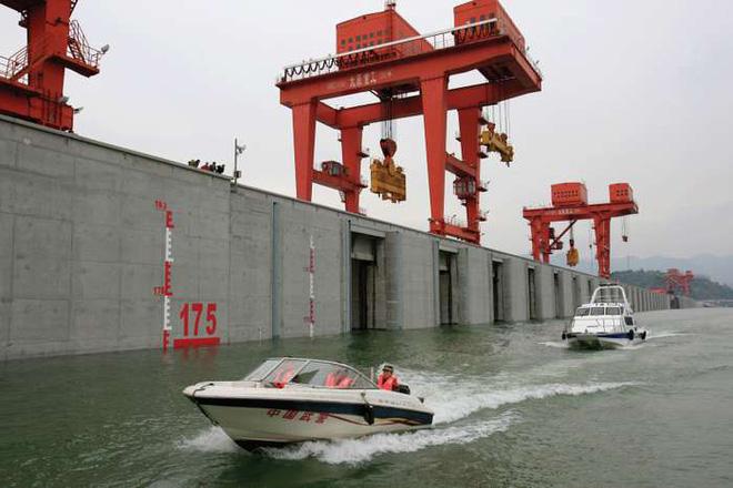 Bên trong đập Tam Hiệp - con đập thủy điện lớn nhất thế giới đang có nguy cơ gây đại thảm họa cho người Trung Quốc có gì? - Ảnh 3.