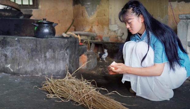 """Ngay tại Trung Quốc đã có loạt vlogger phong cách na ná Lý Tử Thất, có người còn gần như """"copy"""" nguyên si - Ảnh 28."""