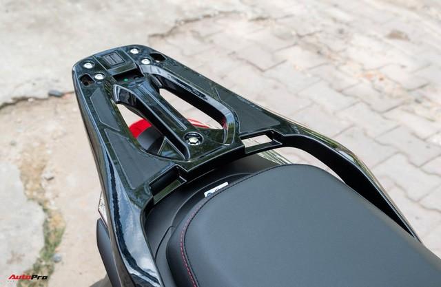 Chi tiết Honda SH300i Total Black 2020 đầu tiên về Việt Nam: Nhập Ý, giá trên dưới 300 triệu đồng - Ảnh 4.
