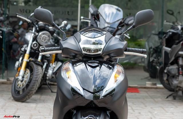 Chi tiết Honda SH300i Total Black 2020 đầu tiên về Việt Nam: Nhập Ý, giá trên dưới 300 triệu đồng - Ảnh 5.