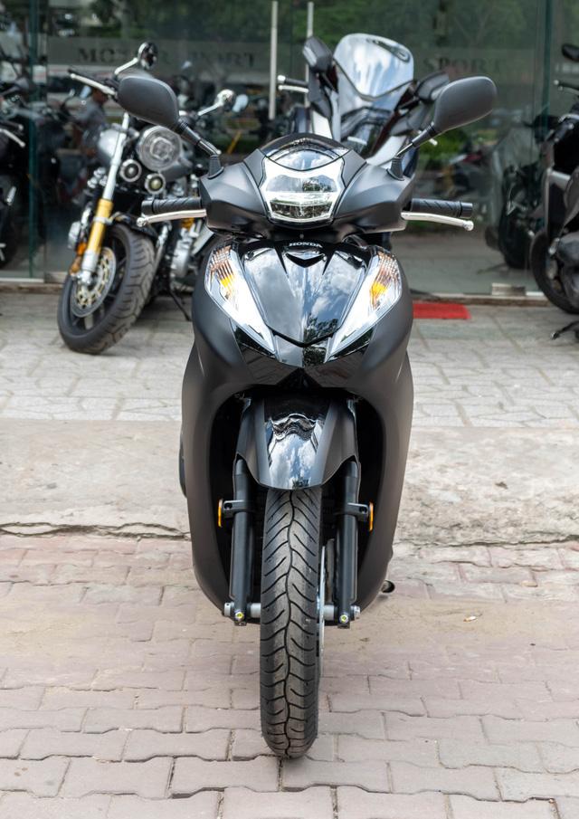 Chi tiết Honda SH300i Total Black 2020 đầu tiên về Việt Nam: Nhập Ý, giá trên dưới 300 triệu đồng - Ảnh 7.