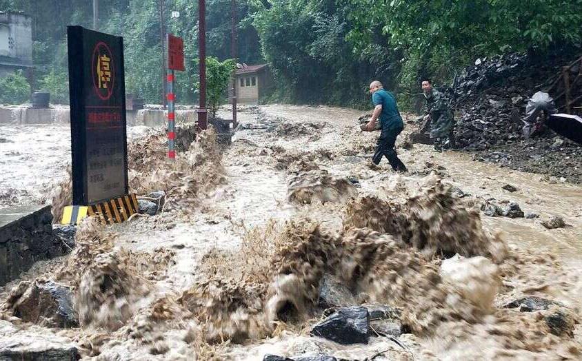 Nghiên cứu 60 năm mưa bão ở TQ: Chuyên gia phát hiện điểm bất thường, đưa ra dự báo ''không ai muốn tin''