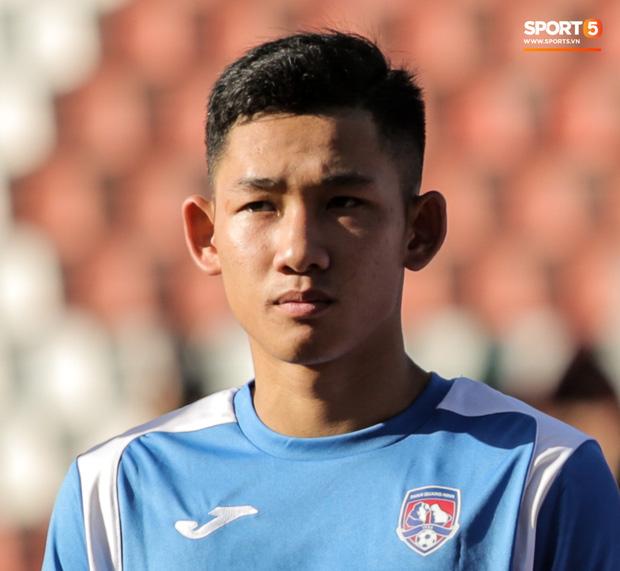 Tuyển thủ U22 Việt Nam sút xa ghi bàn đẳng cấp thế giới tại V.League khiến đàn anh phải bật dậy vỗ tay - Ảnh 1.