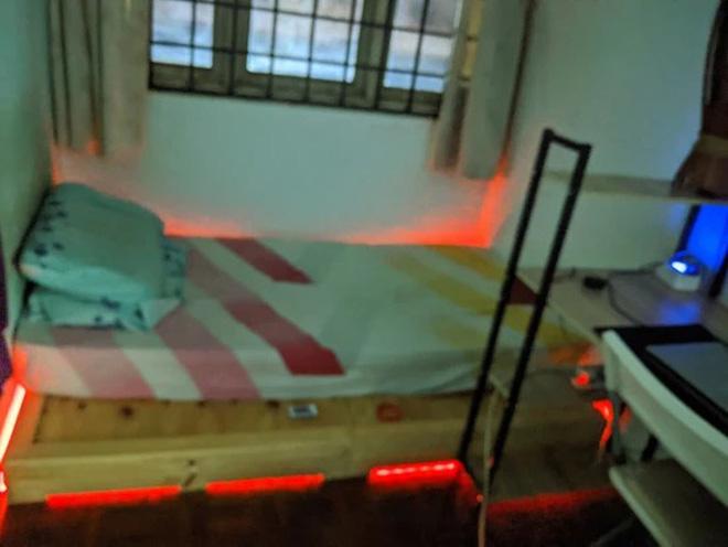 Ở nhà tránh dịch rảnh rỗi, thanh niên order đồ về tự cải tạo phòng ngủ cũ kĩ thành không gian cực xịn sò ai nhìn cũng mê - Ảnh 1.