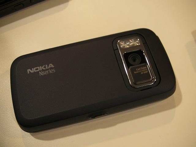 Ngược dòng thời gian: Những chiếc điện thoại để lại dấu ấn sâu đậm trong nhiếp ảnh di động trước thời iPhone và Android thống trị - Ảnh 12.
