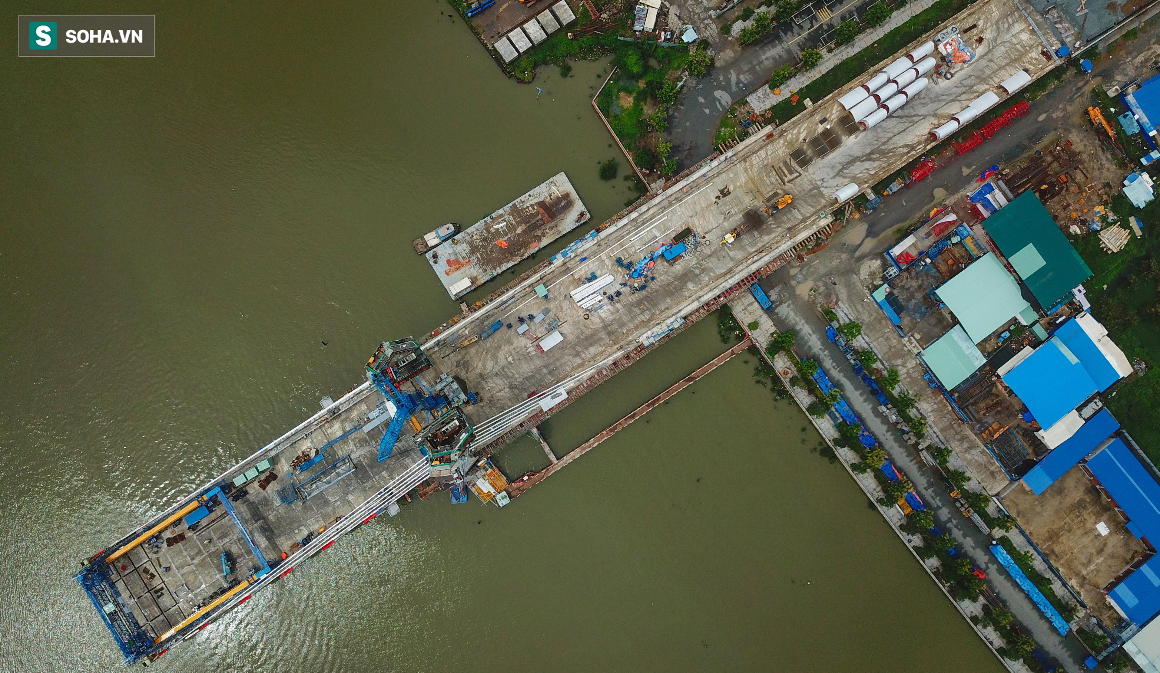 Cầu Thủ Thiêm 2 vươn mình ra sông Sài Gòn, lộ hình dáng khi nhìn từ trên cao - Ảnh 3.