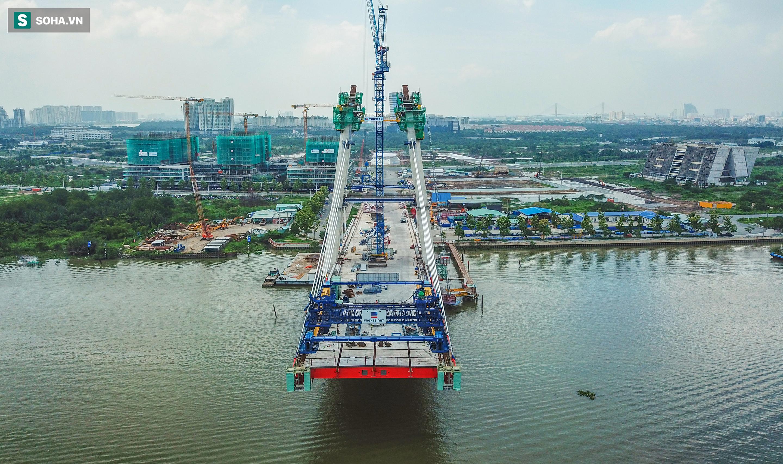 Cầu Thủ Thiêm 2 vươn mình ra sông Sài Gòn, lộ hình dáng khi nhìn từ trên cao - Ảnh 11.
