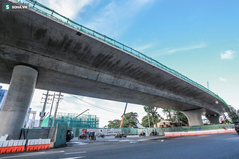 Cầu Thủ Thiêm 2 vươn mình ra sông Sài Gòn, lộ hình dáng khi nhìn từ trên cao - Ảnh 12.