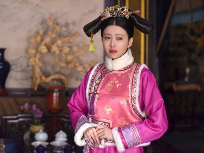 Phi tần thê thảm nhất của Hoàng đế Càn Long: Xuất thân quyền quý nhưng thất sủng bị giáng chức nhiều lần, lúc chết phải chôn ngoài lăng mộ hoàng tộc - Ảnh 1.