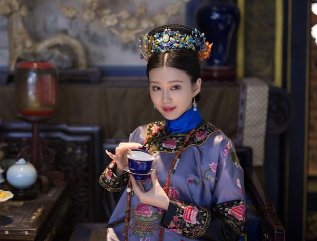 Phi tần thê thảm nhất của Hoàng đế Càn Long: Xuất thân quyền quý nhưng thất sủng bị giáng chức nhiều lần, lúc chết phải chôn ngoài lăng mộ hoàng tộc - Ảnh 2.