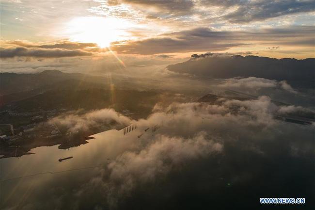 Kỳ vĩ đập Tam Hiệp qua 10 ảnh chụp trên không đẹp ngất ngây - Ảnh 7.
