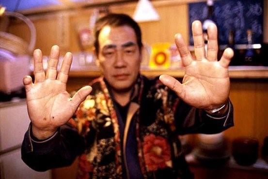 Con gái ông trùm mafia khét tiếng Nhật Bản: Bị cưỡng hiếp liên tục để trả nợ cho cha, thời niên thiếu nhuốm đầy máu và quyết định thay đổi cuộc đời - Ảnh 12.
