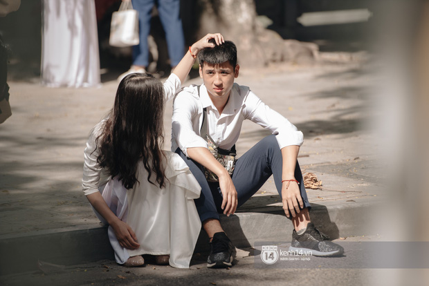 Dàn nữ sinh gây thương nhớ trong lễ bế giảng: Mặc áo dài hay đồng phục trắng đều mê mẩn lòng người - Ảnh 20.