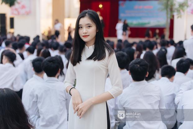 Dàn nữ sinh gây thương nhớ trong lễ bế giảng: Mặc áo dài hay đồng phục trắng đều mê mẩn lòng người - Ảnh 3.