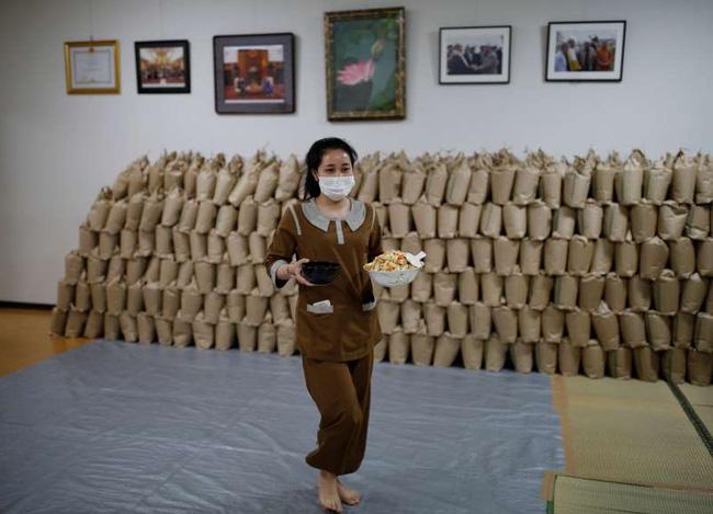 Tin nhắn cầu xin sự giúp đỡ của nữ lao động người Việt bị mất việc tại Nhật Bản và tình người ấm lòng tại ngôi chùa giữa đại dịch - Ảnh 3.