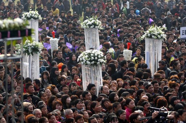 Đám tang của đại gia Trung Quốc: Chi hơn 16 tỷ đồng tổ chức tang lễ xa xỉ và câu chuyện người giàu phô trương thân thế địa vị - Ảnh 5.