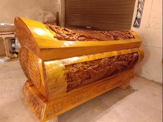 Cỗ quan tài gần 24 tỷ của Vua sòng bài Macau: Được làm từ loại gỗ đặc biệt thế nào khi chỉ có Hoàng đế ngày xưa mới được sử dụng? - Ảnh 6.