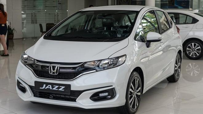 Văn Lâm được Muangthong United đổi cho ô tô mới cứng, cùng giá tiền tỷ nhưng chất hơn xe cũ - Ảnh 6.