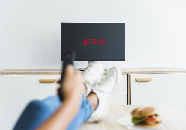 """Bí thuật gì từ Netflix khiến chúng ta phải """"cày phim ngày đêm mà chẳng thế dứt ra được? Hóa ra là vô vàn những cạm bẫy - Ảnh 10."""