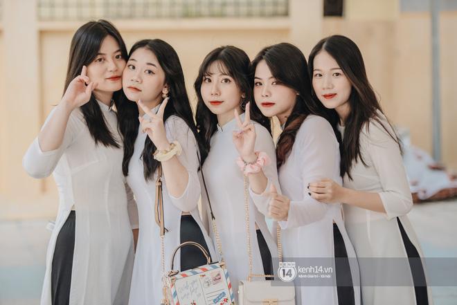 Dàn nữ sinh gây thương nhớ trong lễ bế giảng: Mặc áo dài hay đồng phục trắng đều mê mẩn lòng người - Ảnh 7.