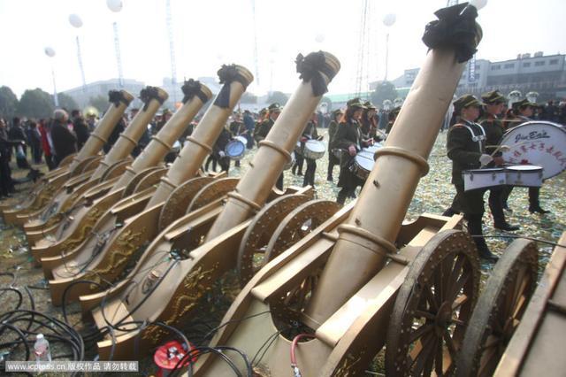 Đám tang của đại gia Trung Quốc: Chi hơn 16 tỷ đồng tổ chức tang lễ xa xỉ và câu chuyện người giàu phô trương thân thế địa vị - Ảnh 12.
