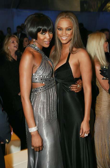Tyra Banks: Siêu mẫu đẻ trứng vàng của làng thời trang Mỹ và 2 lần được mặc nội y triệu đô - Ảnh 4.