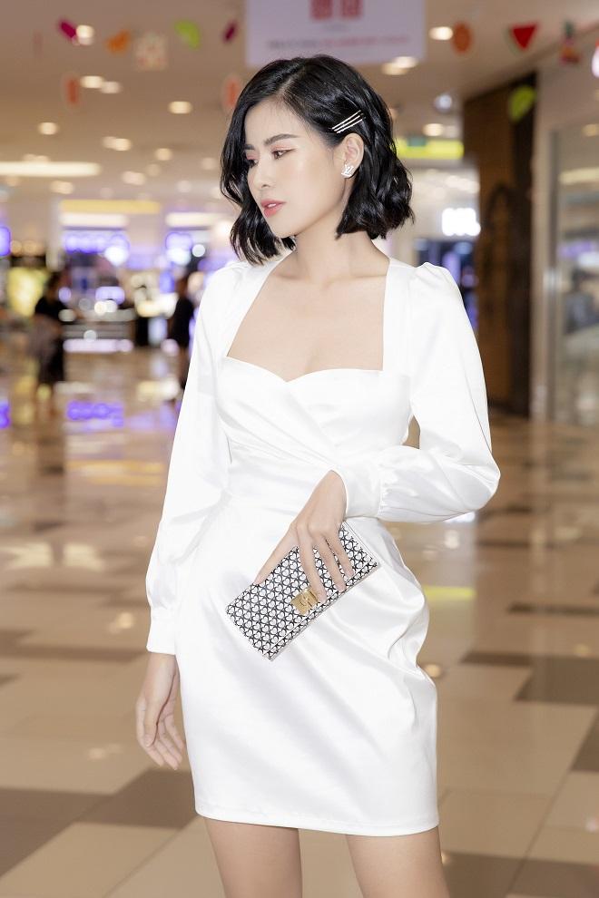 Hoa hậu Phạm Oanh khoe chân dài gợi cảm tại sự kiện - Ảnh 5.