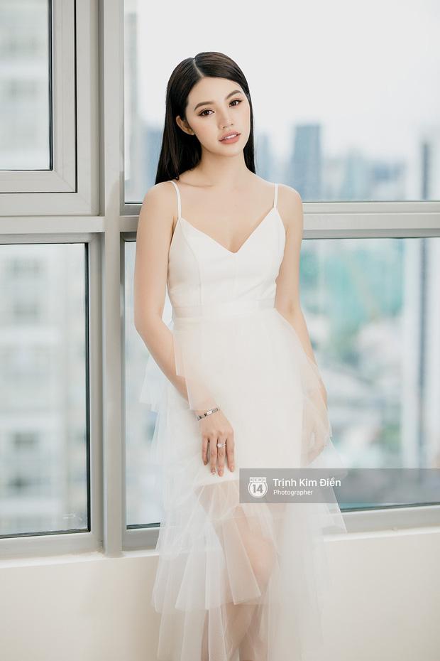 Jolie Nguyễn đóng tất cả các trang MXH sau tin Binz hẹn hò Châu Bùi, lý do được chính chủ hé lộ là gì? - Ảnh 1.