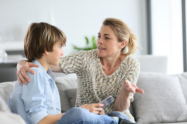 7 lỗi sai kinh điển khi nuôi dạy trẻ: Đừng quên yêu thương cũng phải đúng cách, làm cha mẹ vẫn phải học để không hối hận về sau - Ảnh 1.