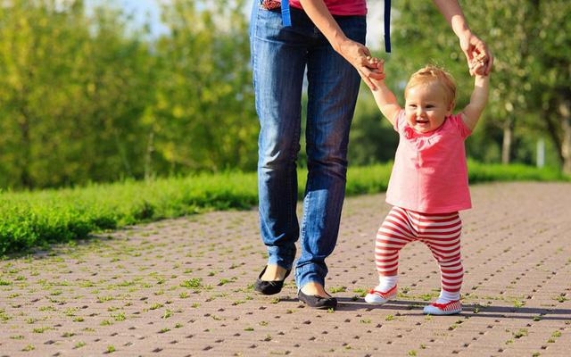 7 lỗi sai kinh điển khi nuôi dạy trẻ: Đừng quên yêu thương cũng phải đúng cách, làm cha mẹ vẫn phải học để không hối hận về sau - Ảnh 2.