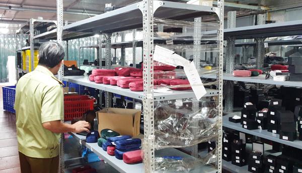 Kho hàng lậu khủng 40 nhân viên chốt đơn: Một tháng bán trên 90.000 sản phẩm, doanh thu trên 10 tỷ đồng - Ảnh 3.