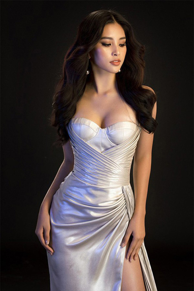 Hoa hậu Trần Tiểu Vy tung ảnh mặc bikini táo bạo - Ảnh 9.