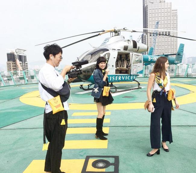 Cuộc sống siêu giàu của nữ diễn viên Hồng Kông: Đi dạo bằng trực thăng, có người giúp rửa chân  - Ảnh 7.