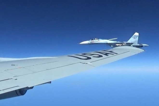 Lý do máy bay Nga truy đuổi trinh sát cơ Mỹ trên Biển Đen - Ảnh 2.