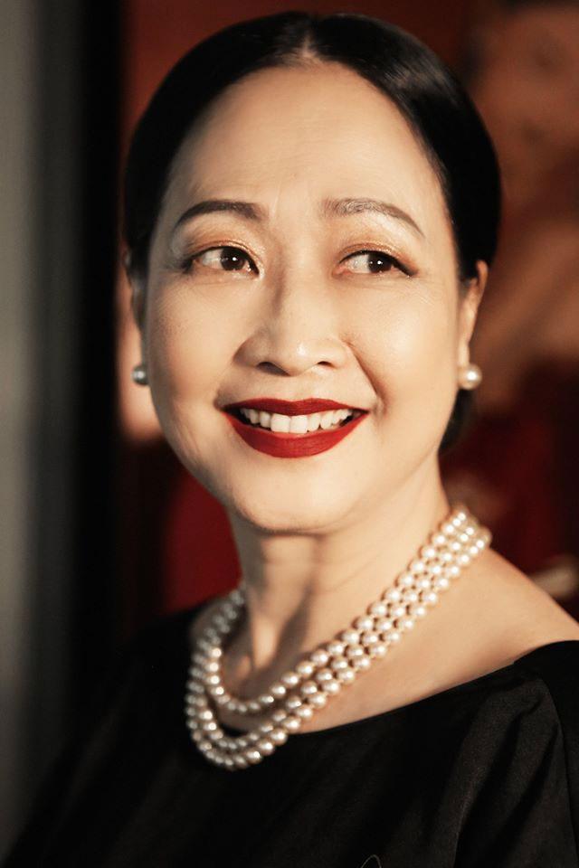 """NSND Như Quỳnh nói về tin đồn sợ đám đông, chấp nhận làm """"bà ngoại bỉm sữa"""" ở tuổi gần 70 - Ảnh 6."""
